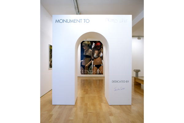 1_two-sided-monument-hq10-jh5377s-installation-view